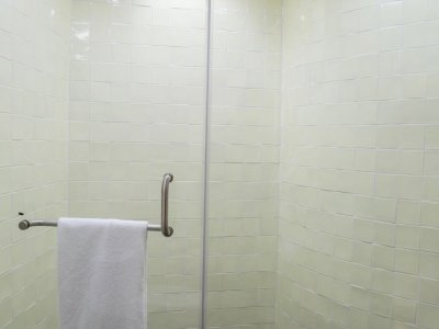 Bathroom 1 - shower